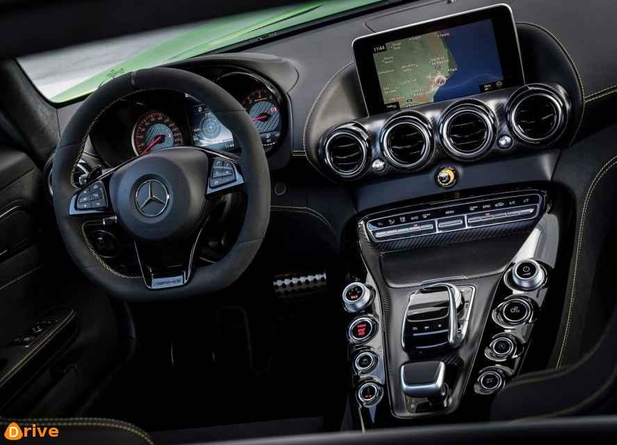 2017 Mercedes amg GT R interior