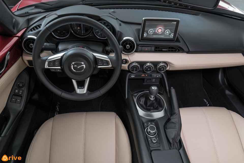 2018 Mazda MX-5 RF interior