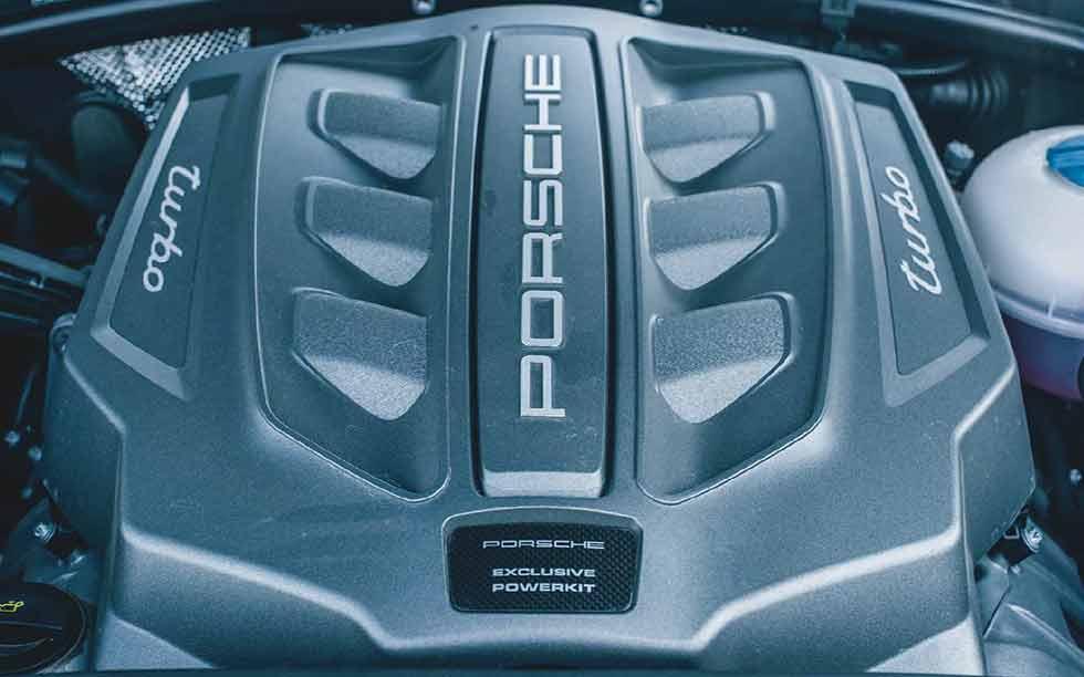 2019 Porsche Macan Performance Package Type 95B engine