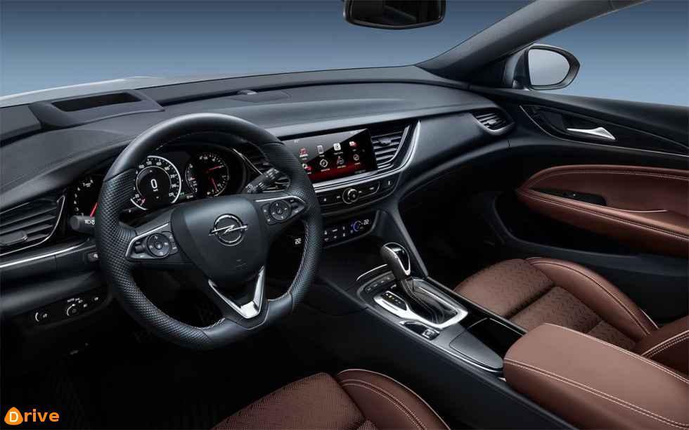 2018 Opel Insignia Country Tourer interior