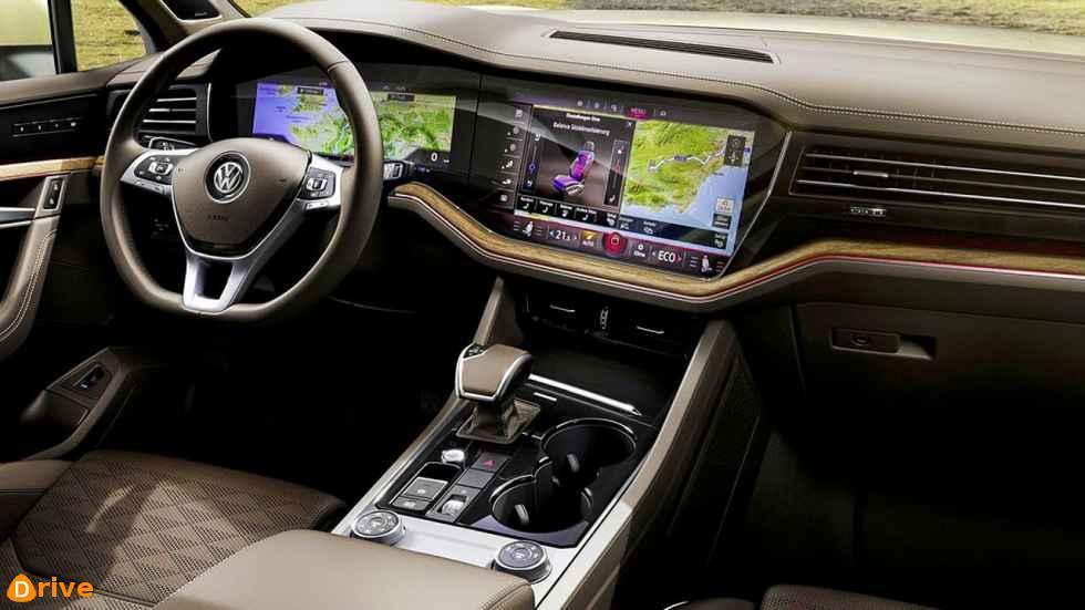 2018 VW Touareg interior