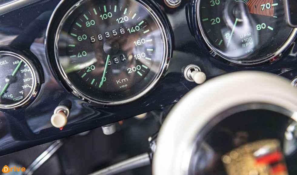1953 Porsche 356 dashboard