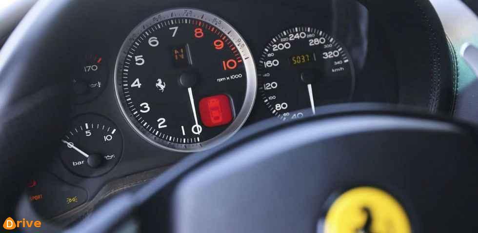 Ferrari 365 Gtb dashboard
