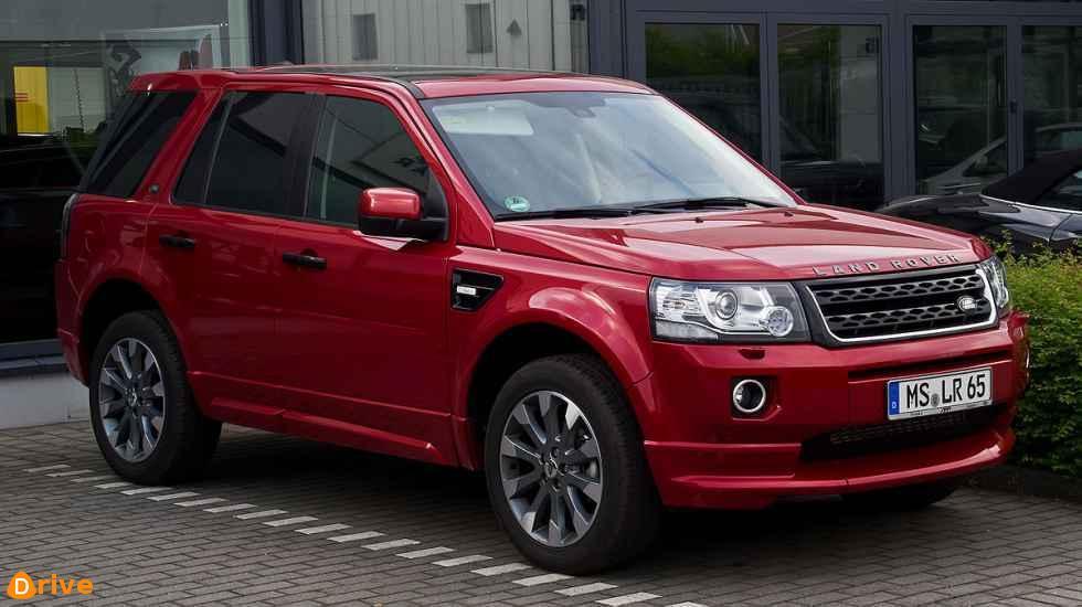 1200px-Land_Rover_Freelander_SD4_SE_Dynamic_(II,_2._Facelift)_–_Frontansicht,_9._Juni_2013,_Münster.jpg