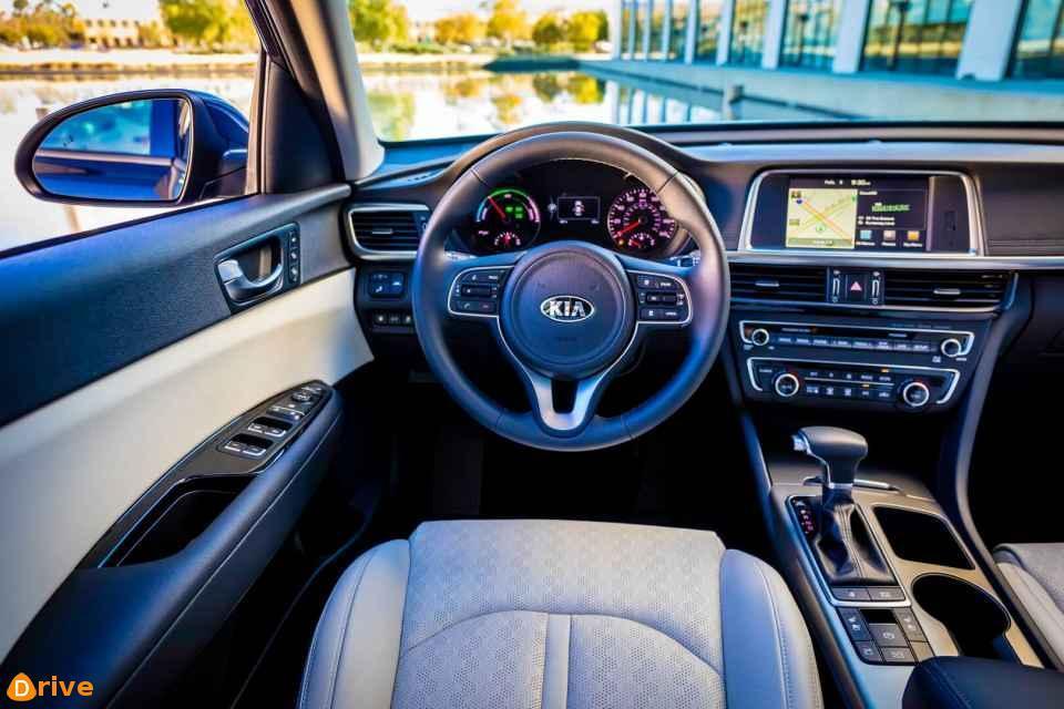 kia-optima-hybrid-interior-hevcars-02.jpg
