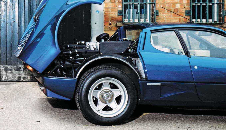 Ferrari 512i BB interior engine