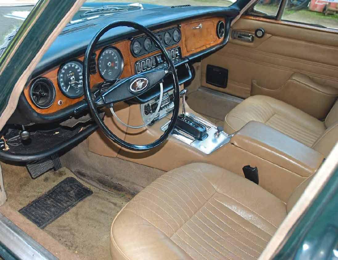 Nancy Sinatra Jaguar XJ6 Series 1