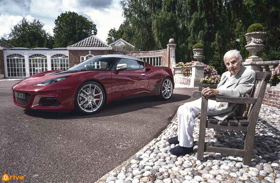 Hazel Chapman with the 10,000th Lotus to be built.
