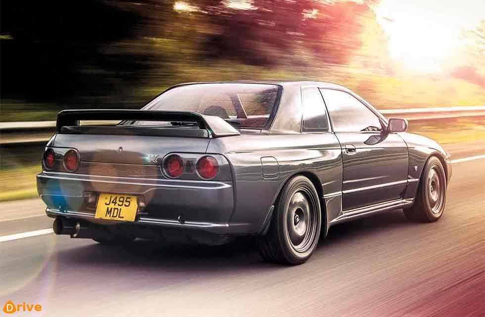 Nissan Skyline GT-R R32 heats up