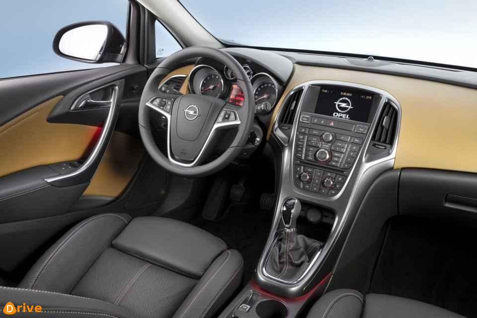 2018 Opel Astra Sports Tourer interior