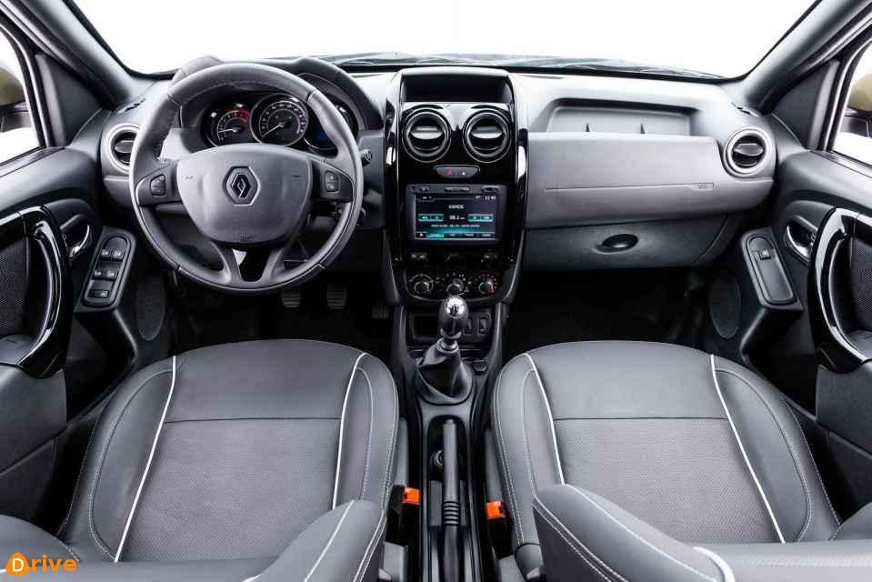 2018 Renault Duster Oroch interior