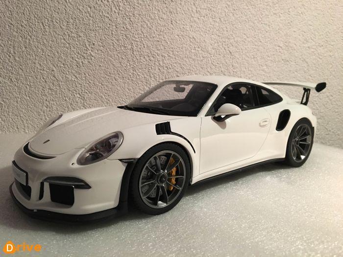 PORSCHE 911 GT3 RS2