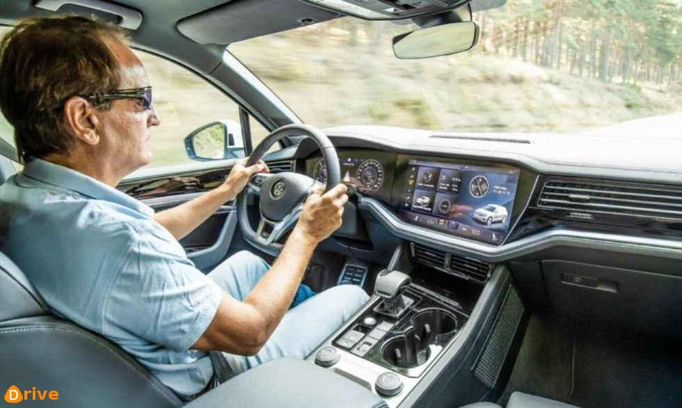 2018 VW Touareg 3.0 V6 TDI interior