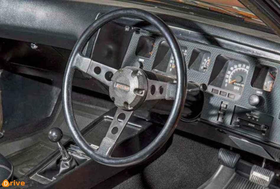 1971 holden monaro 350 gts interior