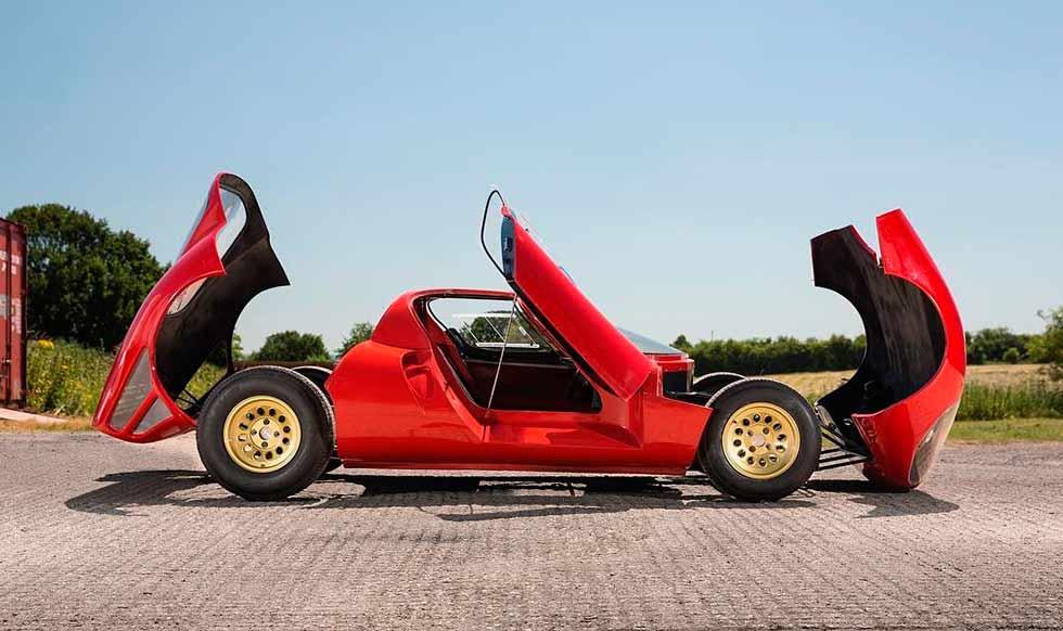Alfa Romeo 33 Stradale replica