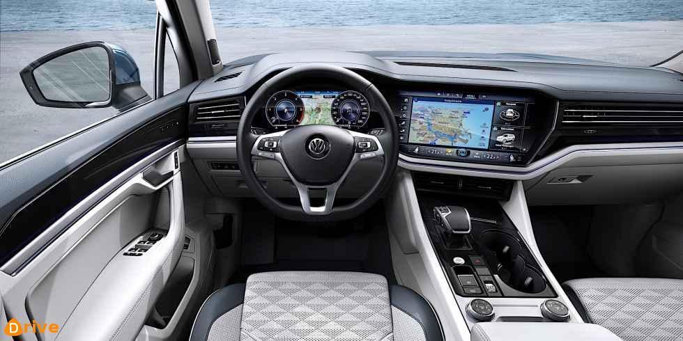 2018 volkswagen touareg interior