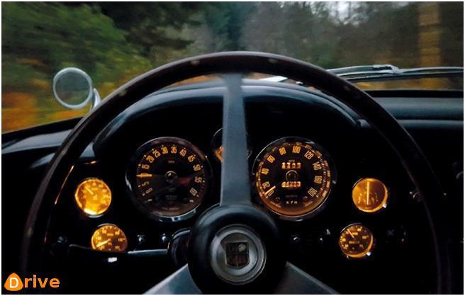 Lécosse en Aston Martin DB6 2