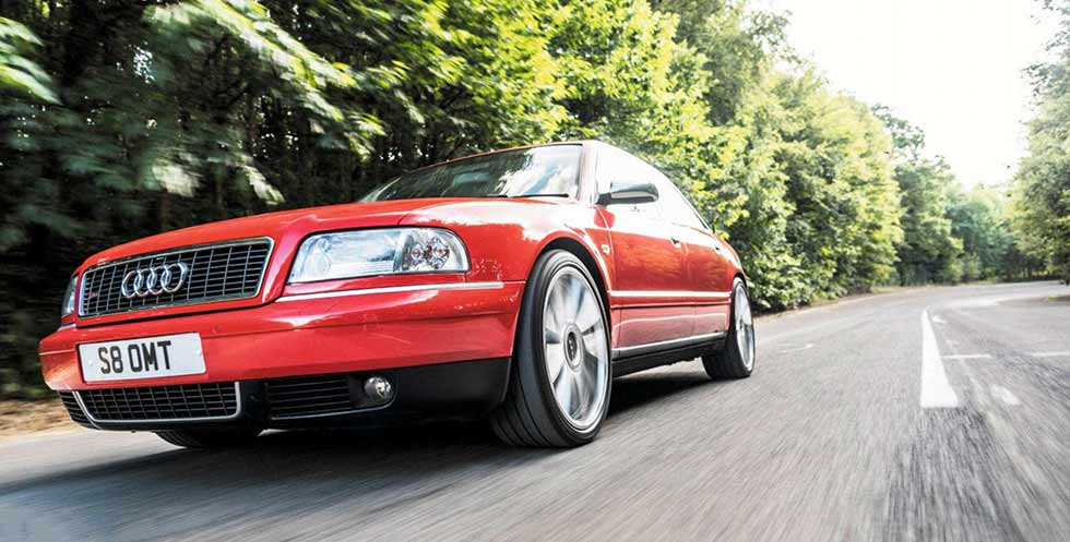 Audi S8 D2 Typ 4D driven