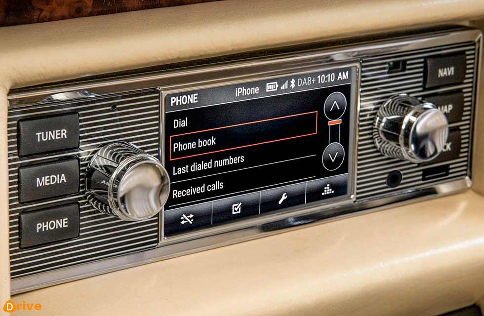 Modern 'infotainment' for classics