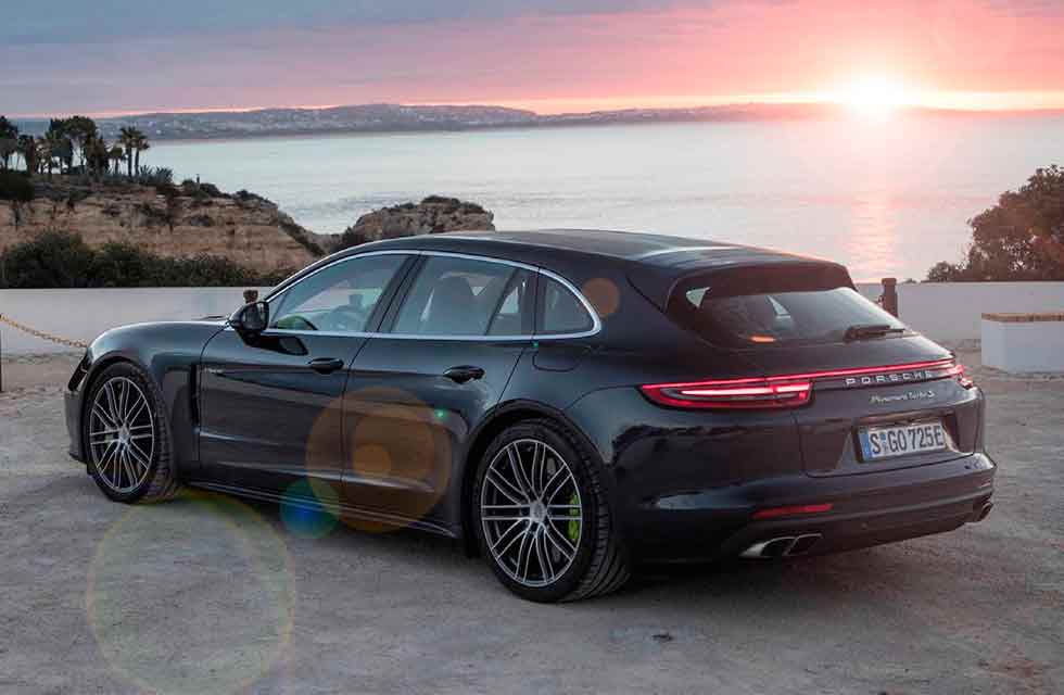 2019 Porsche Panamera Sport Turismo 4 E-Hybrid 971 road test