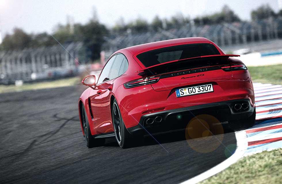 Beth Lily Georgiou Porsche Porsche Panamera GTS Worldwide 971