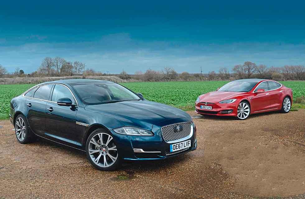 Twin test 2019 Jaguar XJ 3.0D vs. 2019 Tesla Model S 100D