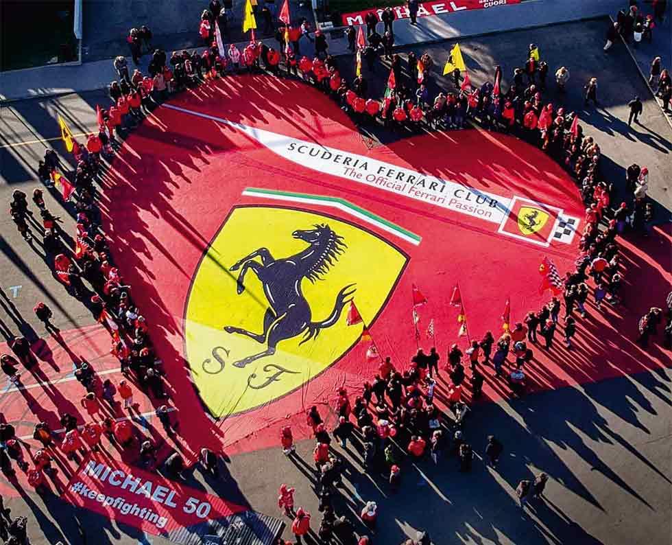Scuderia Ferrari Club members