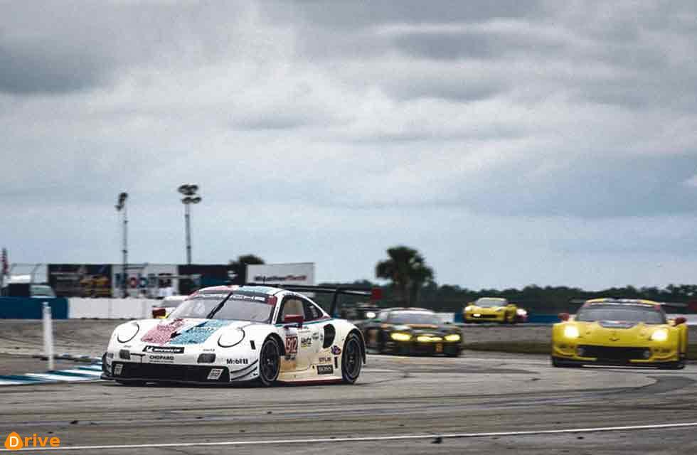 Porsche wins at Sebring