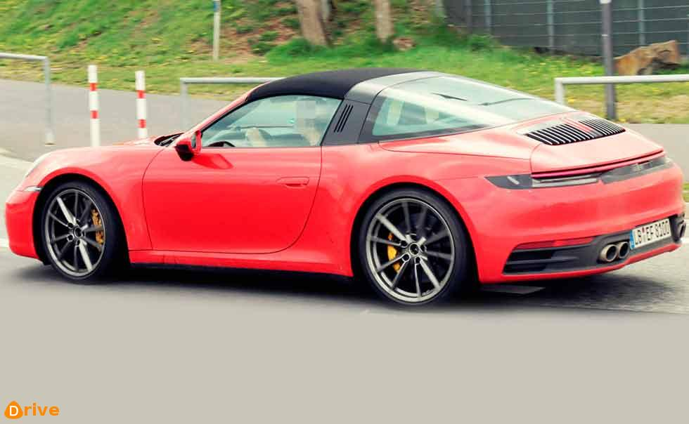 Next-gen Targa 992 free of camouflage for first time