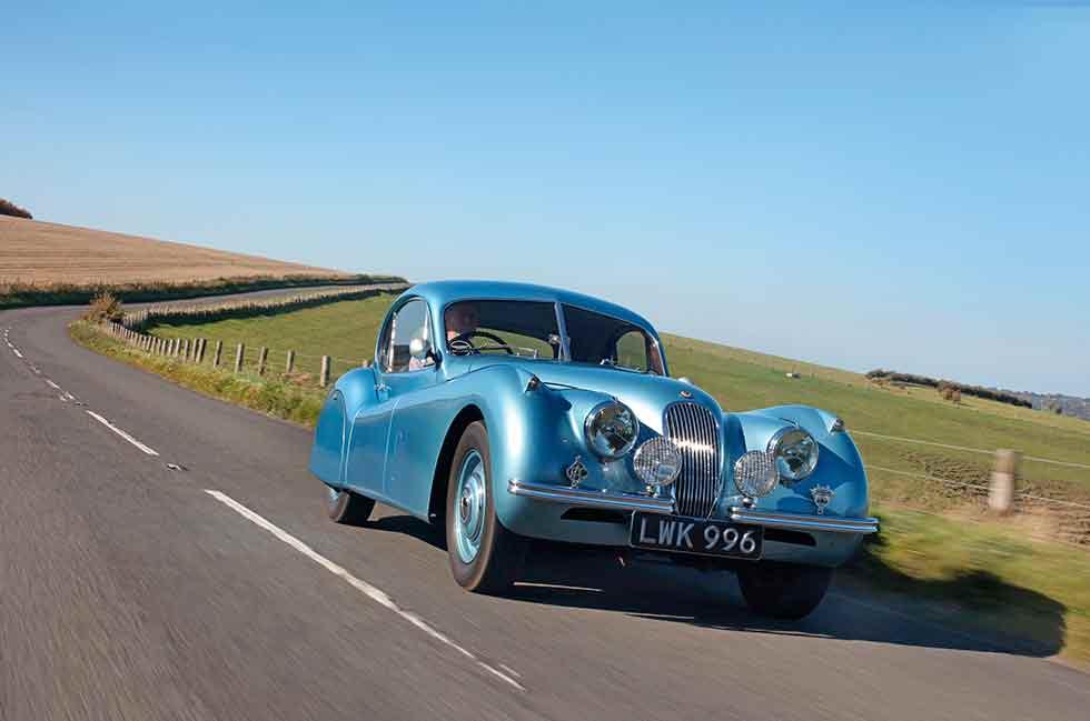 1952 Jaguar XK120 FHC - road test