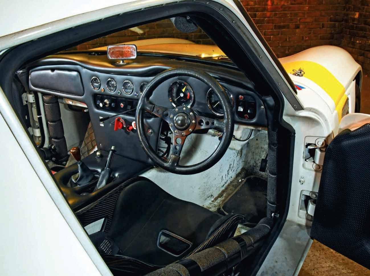 1971 TVR 2500 Vixen interior