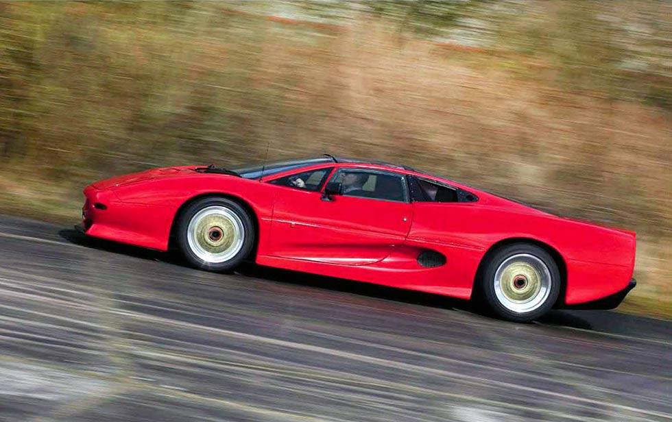 Rare prototype 1990 Jaguar XJ220 road test