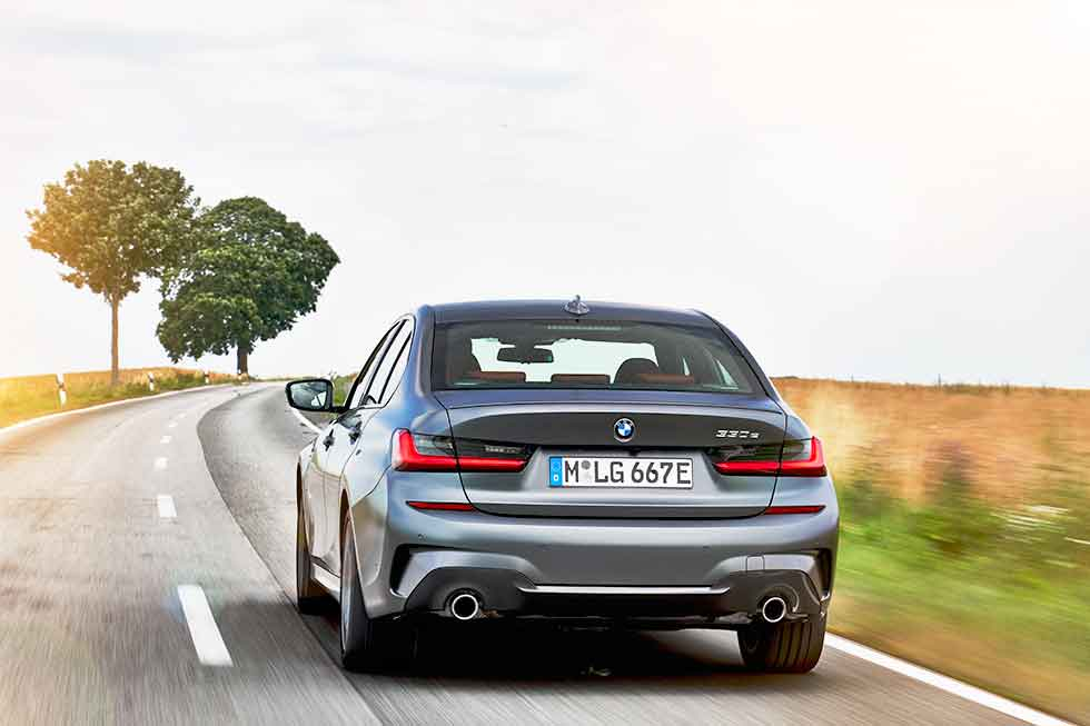 2020 BMW 330e M Sport G20 - road test