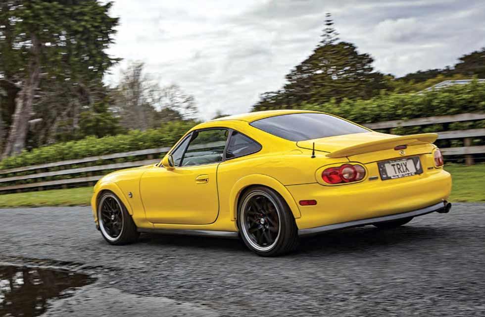 2004 Mazda MX-5 NB Coupe