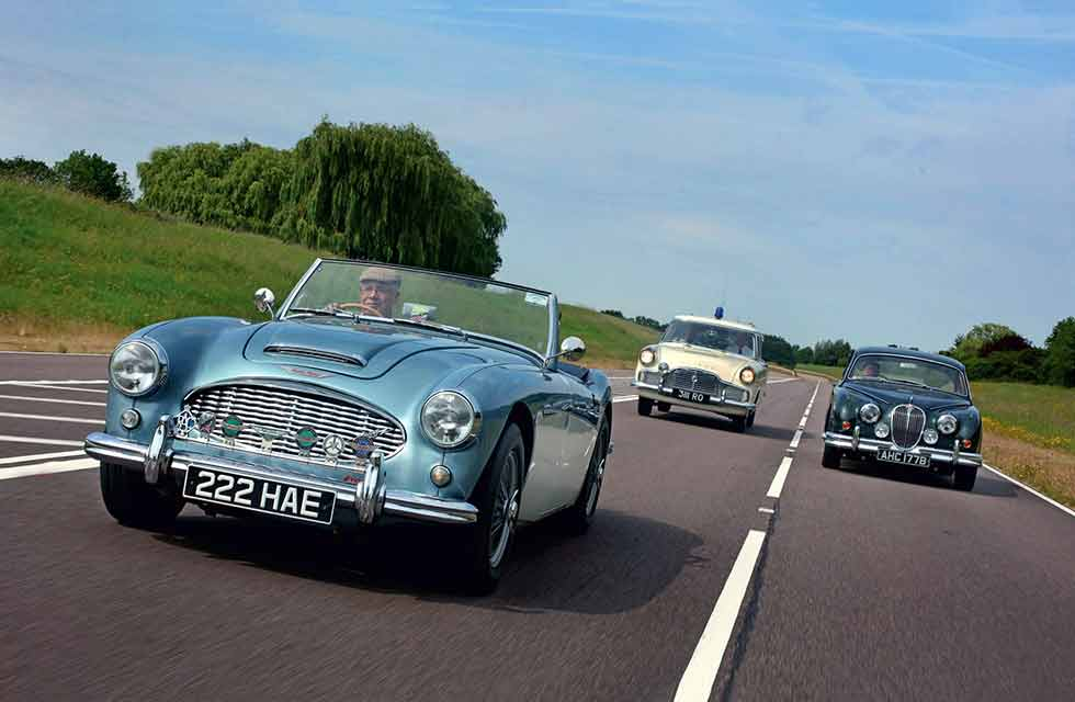 The lane changers - Ford Zephyr MkII Estate vs. Jaguar Mk 2 3.8 and Austin-Healey 3000 MkI