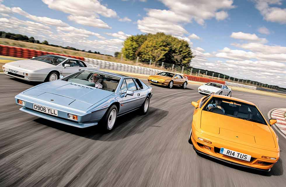 1987 Lotus Esprit S3 vs. 1998 Lotus Esprit GT3, 1985 Lotus Esprit S3 Turbo, 1998 Lotus Esprit V8 GT and 1989 Lotus Esprit X180 Turbo - comparison retro road test