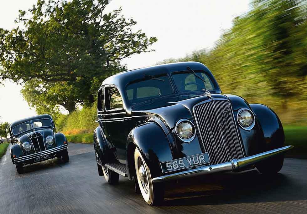 1934 De Soto Airflow vs. 1935 Volvo PV 36 Carioca