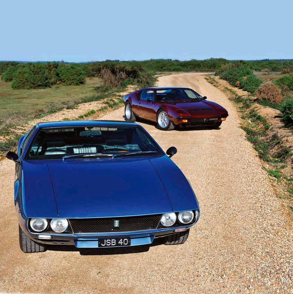 1967 De Tomaso Mangusta vs. 1971 De Tomaso Pantera GTS - comparison retro road test