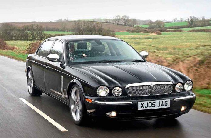 2005 Jaguar XJ8 Super V8 Portfolio X350 - Drive