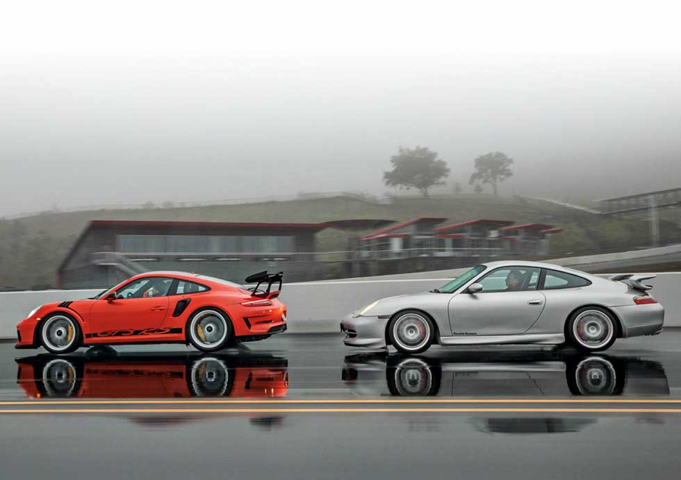 1999 Porsche 911 GT3 996.1 vs. 2018 Porsche 911 GT3 RS 991.2 - comparison road test - classic vs. modern