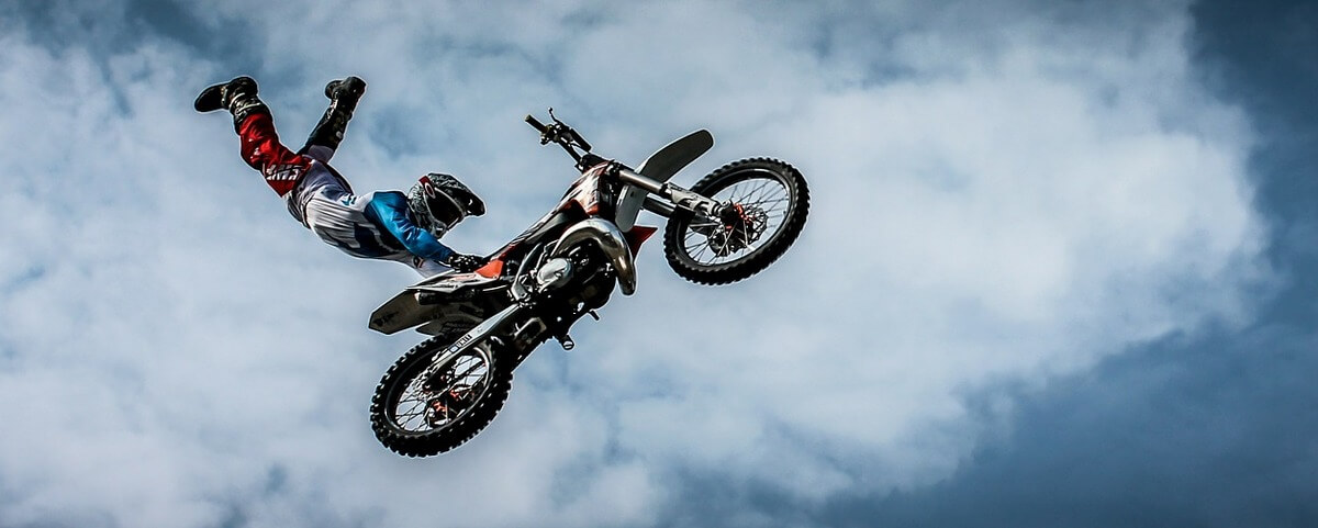 Dirt bike freestyle