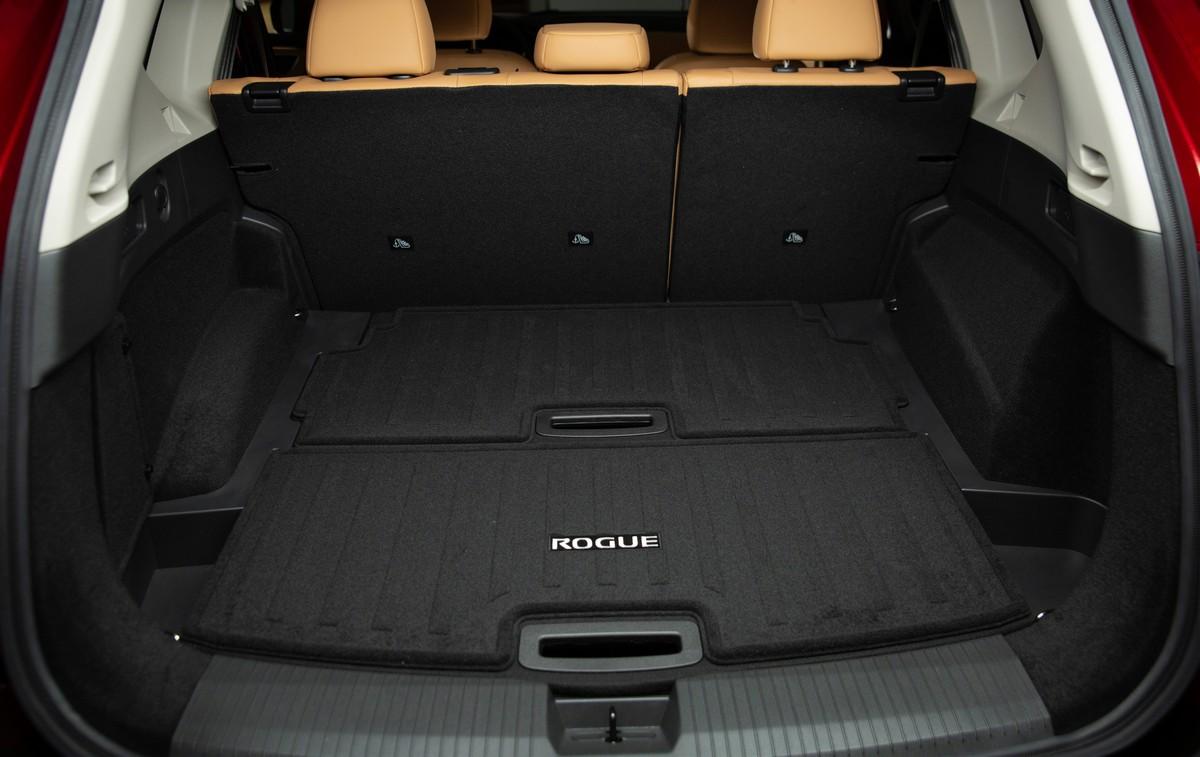 2021 Nissan Rogue - interior
